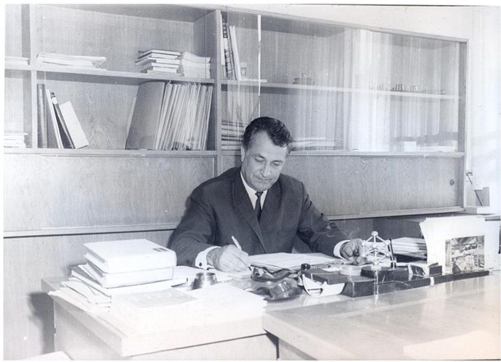 акад.-Георги-Близнаков1961-1990.